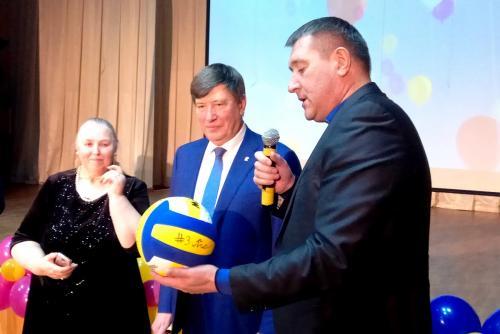 23.11.2017 - Волейбольный клуб «Зенит» вошел в Попечительский совет «Центра содействия семейному воспитанию № 12